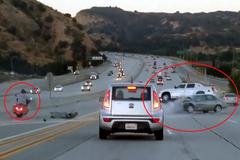 Trả đũa biker, tài xế ô tô gây tai nạn kinh hoàng
