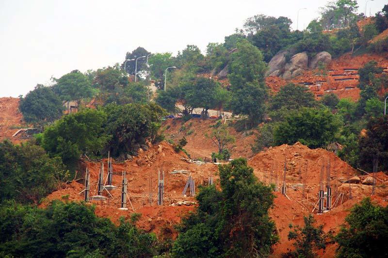 Đà Nẵng đề xuất chống sạt lở bán đảo Sơn Trà