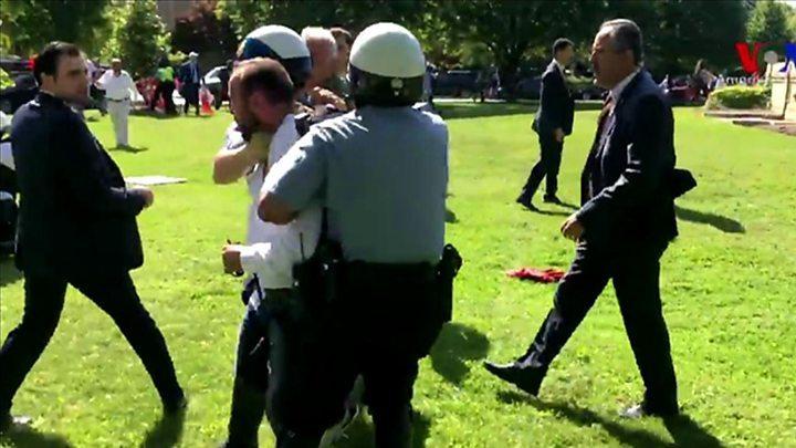 Vệ sĩ của Tổng thống Thổ Nhĩ Kỳ bị 'cấm cửa' tại G20