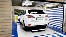 Robot tự động đỗ xe đầu tiên trên thế giới