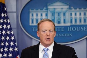 Cấm quay phim họp báo, phát ngôn viên Nhà Trắng bị chỉ trích