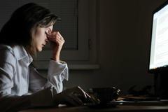 Làm việc đêm dễ mắc ung thư