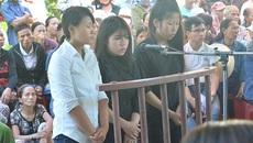 Kết đắng cho 3 cô gái lột đồ, đánh thiếu nữ
