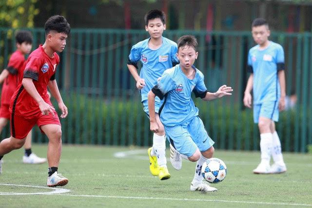"""Thầy ruột Văn Toàn, Văn Thanh… """"gác cơ"""" tại Festival bóng đá học đường"""