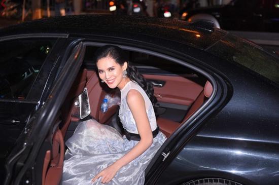 Sang Lê, top 15 Hoa hậu Hoàn vũ Việt Nam 2015, đại gia mía đường