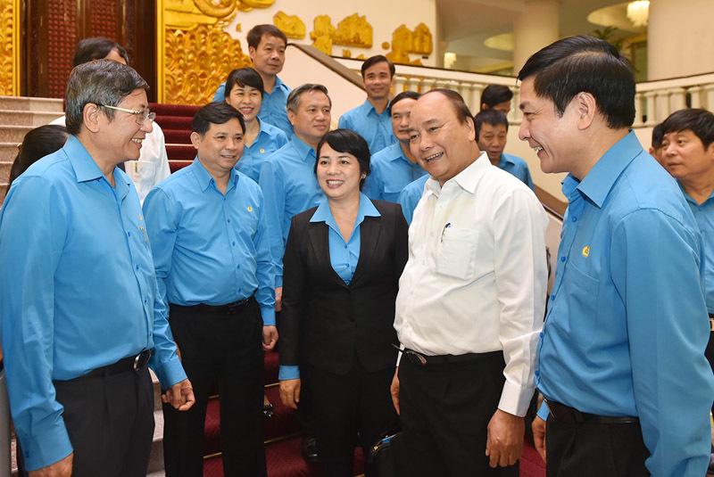 Thủ tướng mong muốn đối thoại nhiều hơn nữa với công nhân