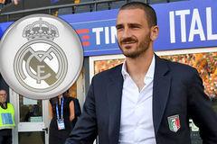 """MU tống khứ """"người thừa"""", Real tuyển Bonucci thay Pepe"""