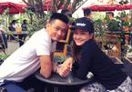 Bảo Thanh khoe ảnh nắm tay chồng giữa scandal nhắn tin cho Việt Anh