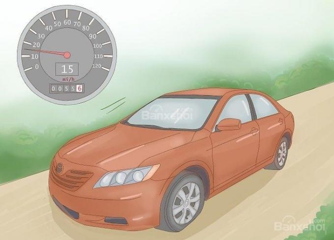 Hướng dẫn lái xe ô tô quãng ngắn khi bị thủng lốp