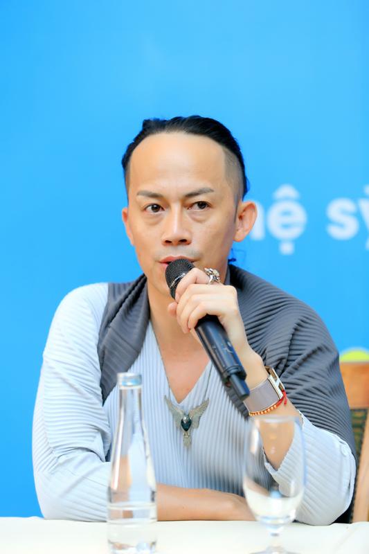 'Gã khùng' làm đẹp cho Nguyễn Thị Huyền là ai?