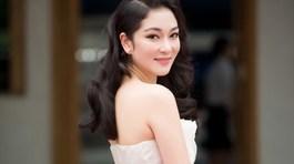 """""""Gã khùng"""" làm đẹp cho Nguyễn Thị Huyền là ai?"""