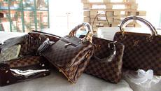 Bắt giữ lô hàng túi xách LV, Hermes giả trị giá hơn 30 tỷ
