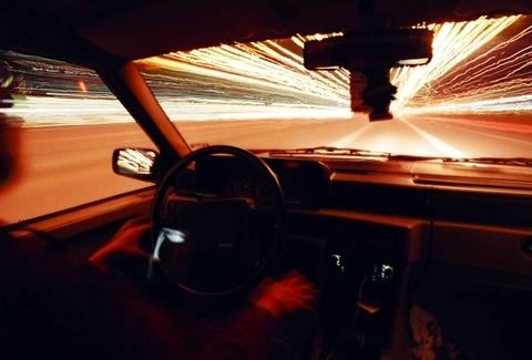 Những thói quen xấu cần tránh khi lái xe ô tô