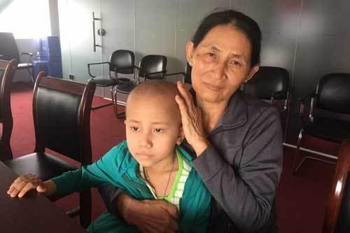Hành trình gian nan của bé gái mắc bệnh u nguyên bào thần kinh