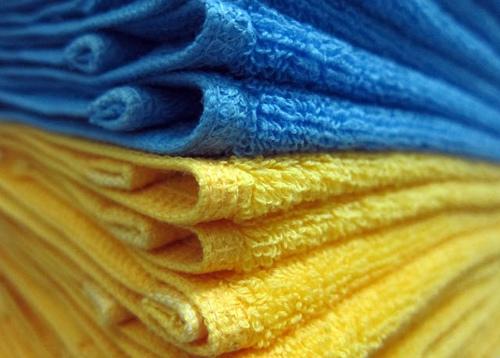 Người Việt chuộng hàng hiệu, thích khăn mặt không tên