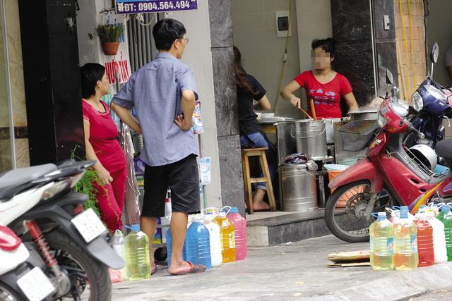 Nước tẩy rửa 'siêu rẻ' ngập thị trường