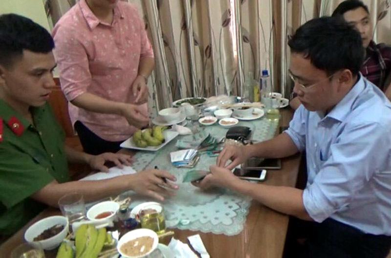 Phóng viên bị bắt, nhà báo bị bắt, Yên Bái, Duy Phong, báo giáo dục Việt Nam