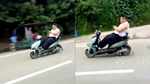Cảnh lái xe máy gây khiếp sợ của người đàn ông trên xa lộ