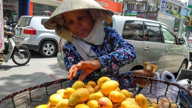 Xoài mút Trung Quốc ngập chợ