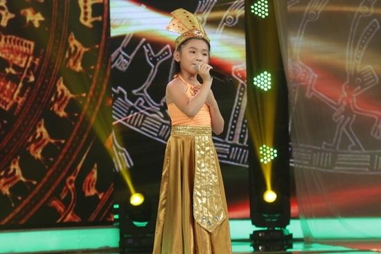 'Tắc kè hoa' Hiền Trân giành quán quân Thần tượng tương lai 2017