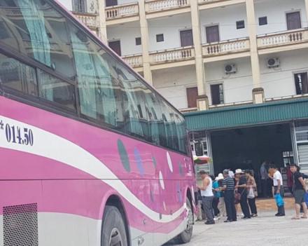 Các cửa hàng 'chỉ phục vụ khách Trung Quốc' đồng loạt tái xuất