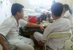 Hòa Bình: 4 bác sĩ, điều dưỡng nhậu mực bia trong giờ làm