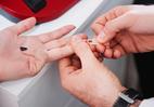 Vụ cứu người tai nạn: 24 người nghi phơi nhiễm HIV phải làm gì?