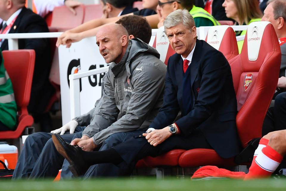 Arsenal bấn loạn: Báo hiệu sụp đổ một đế chế