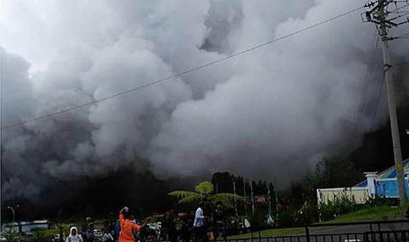 Rơi trực thăng cứu hộ ở Indonesia, không ai sống sót
