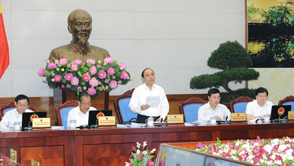 Thủ tướng: Một bộ phận cán bộ còn để tai tiếng tham nhũng