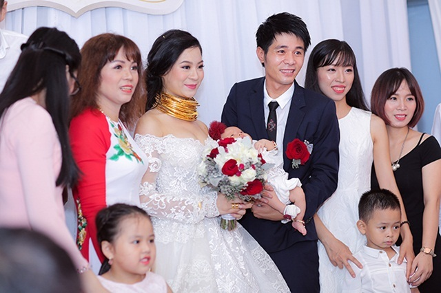 Điều chưa biết về đám cưới 'chục tỷ, mời Quang Lê, Lệ Quyên' ở Đông Anh