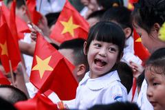 Học phí các trường công lập Hà Nội sẽ tăng gần 40%