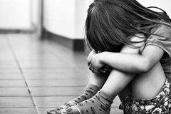 Hà Nội: Tài xế taxi hại đời bé gái ngay trên xe