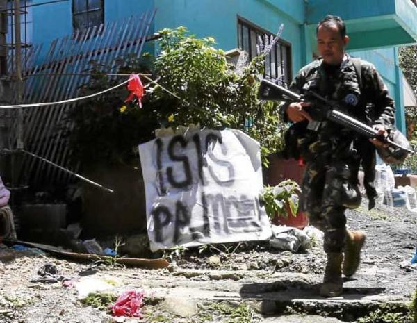 Xác chết la liệt ở Nam Philippines, phiến quân cố thủ