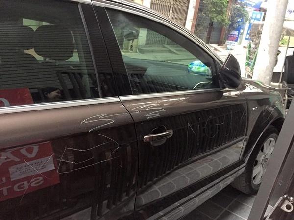 Những vụ 'dằn mặt' ô tô đỗ chắn cổng nhà