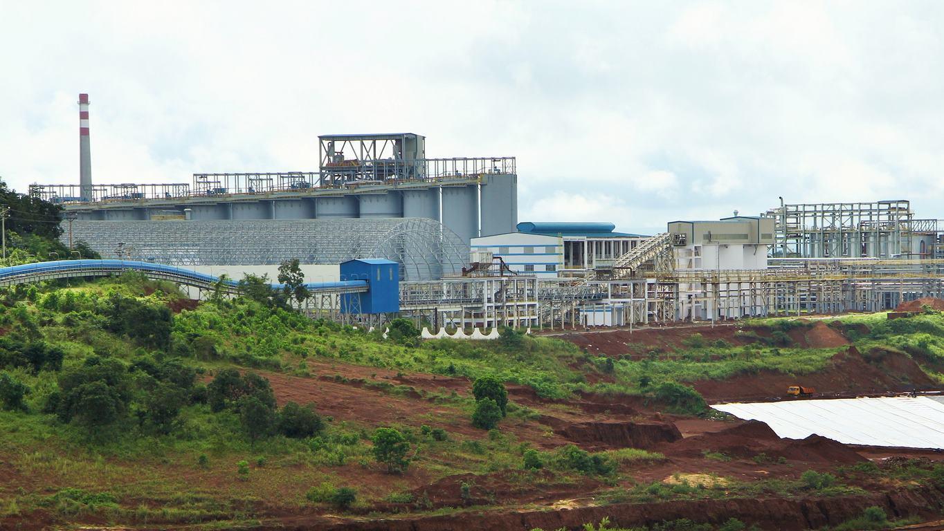 Bụi alumin bám cây trồng: Bộ Công thương vào cuộc