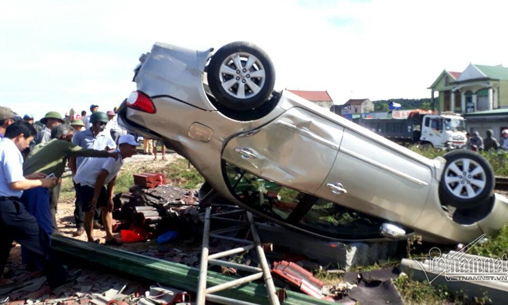 tai nạn giao thông, tai nạn, tàu hỏa đâm ô tô, Nghệ An