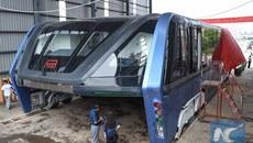 """Cảnh sát bắt 32 người sau vụ lừa đảo xe buýt bay """"thần thánh"""""""
