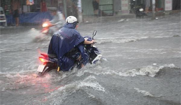 Dự báo thời tiết 6/7: Sài Gòn tăng mưa, đề phòng tố lốc