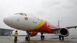 Máy bay hạ cánh khẩn cứu nữ hành khách khó thở