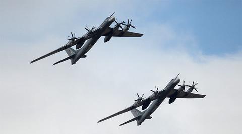 Oanh tạc cơ Nga phóng tên lửa hành trình chiến lược diệt IS