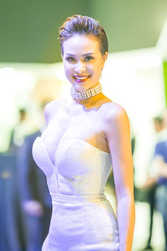 Vẻ gợi cảm của siêu mẫu, MC Phương Mai