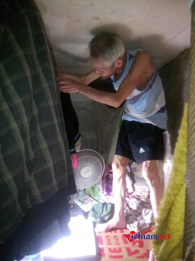Nhà hơn 2 m2, bố con phải nằm nghiêng khi ngủ giữa phố cổ Hà Nội