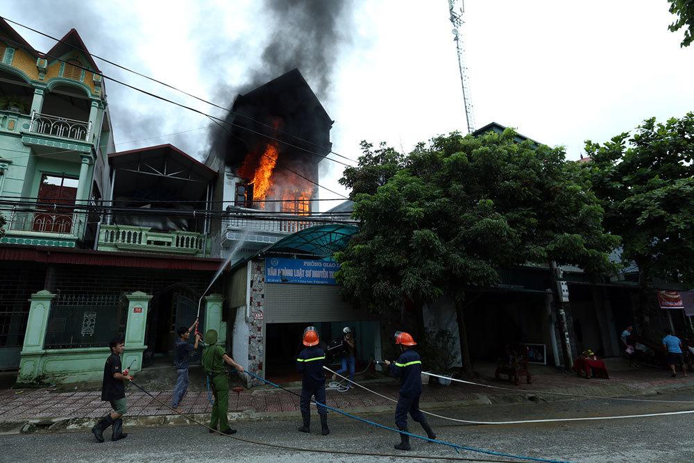 cháy, cháy nhà, cháy văn phòng luật sư