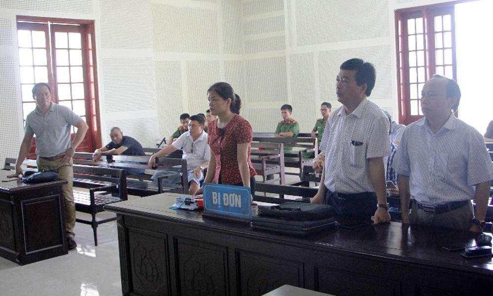 Y án sơ thẩm doanh nghiệp kiện Giám đốc Sở GD-ĐT Nghệ An