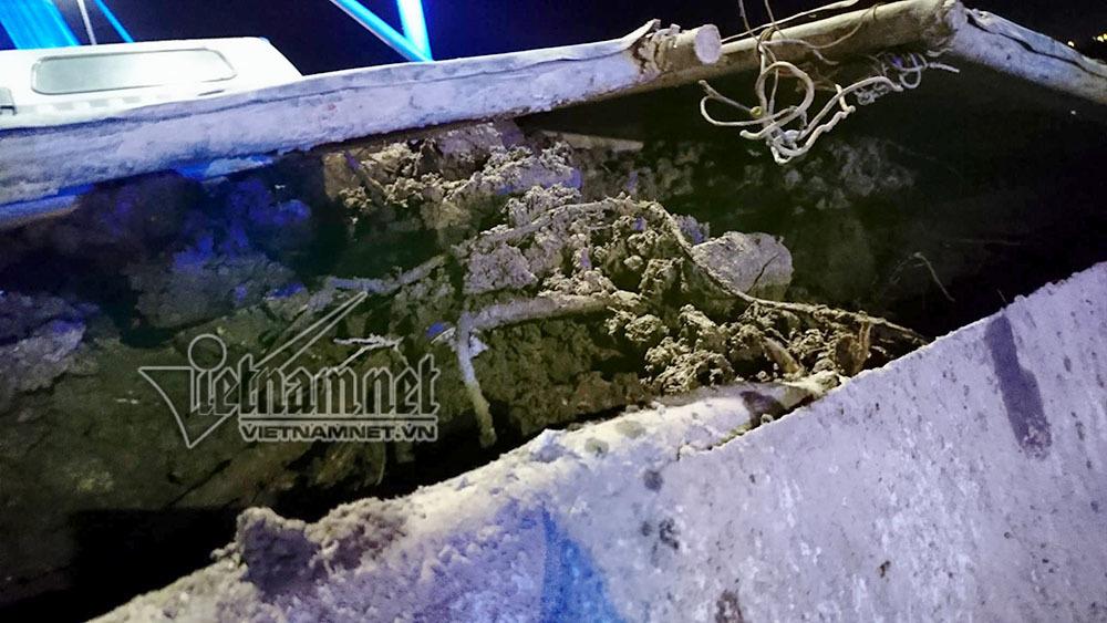 Vạch mặt thủ phạm vãi đất sỏi giữa đêm trên cầu Nhật Tân