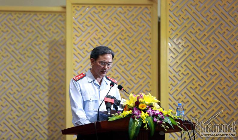 Ông Nguyễn An Huy phó chánh thanh tra TP Hà Nội đọc công bố dự thảo kết luận.