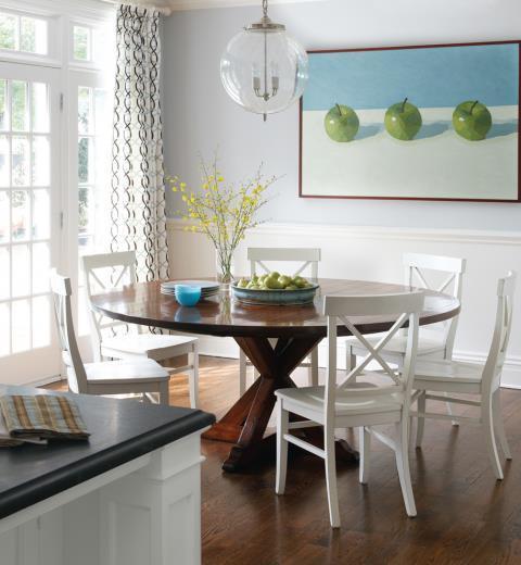 Làm sao sắp đặt bàn ăn đúng phong thủy?