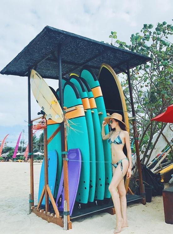 Kỳ Duyên - Huyền My - Phạm Hương: Ai mặc bikini hấp dẫn nhất?
