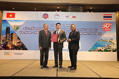 Bảo Tín Minh Châu nhận 3 giải thưởng quốc tế